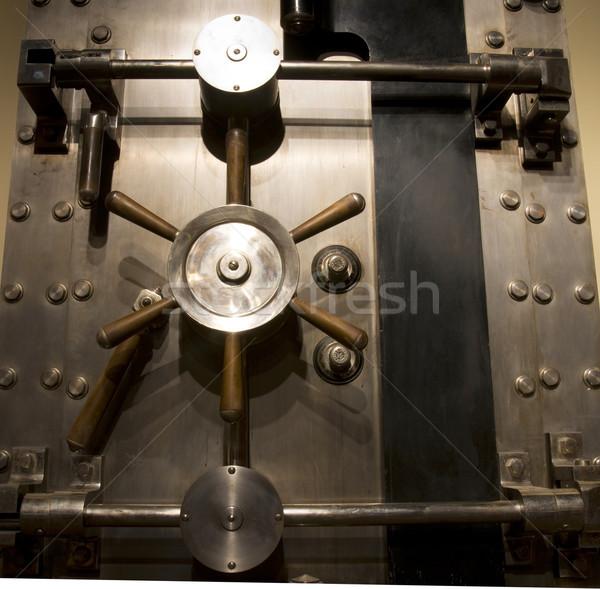 Bank agykoponya széf ajtó Stock fotó © cboswell
