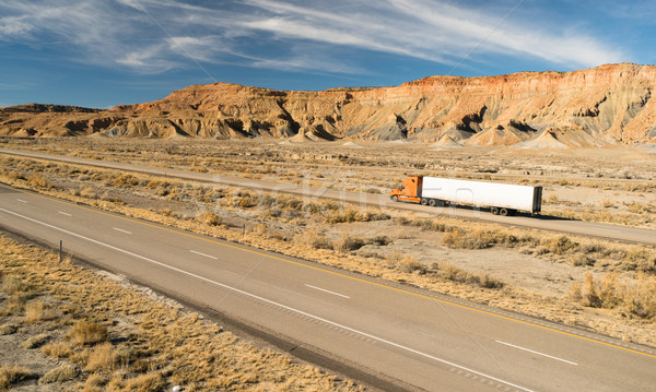 Route longtemps 18 grand camion Utah Photo stock © cboswell