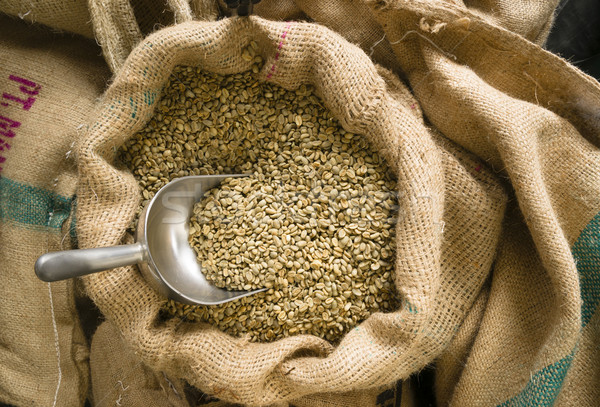 Ruw koffie zaden schep jute zak Stockfoto © cboswell