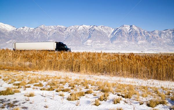 Teherautó száguld lefelé Utah autópálya tél Stock fotó © cboswell