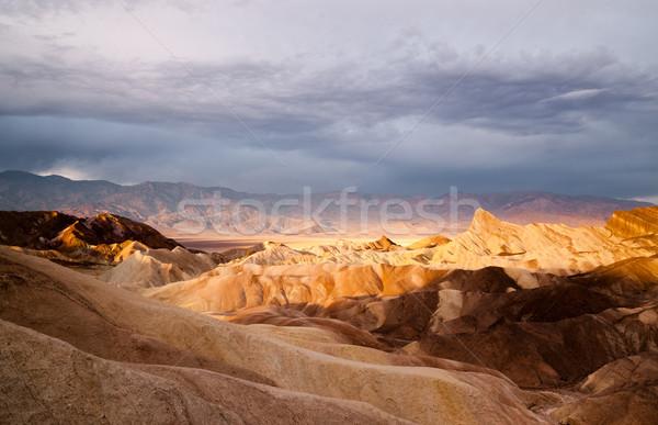 Nascer do sol montanha alcance morte vale nuvem Foto stock © cboswell