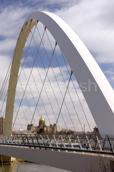 Des Moines Iowa Capital Building Government Pedestrian Bridge Stock photo © cboswell