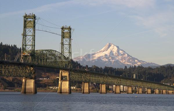 Bridge over Columbia to Hood River Oregon Cascade Mountian Stock photo © cboswell