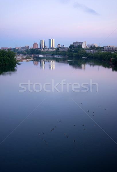 Świt rzeki centrum miasta spokojny Zdjęcia stock © cboswell