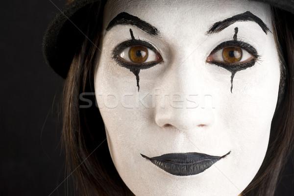 Vrouwelijke witte gezicht spelen clown karakter Stockfoto © cboswell