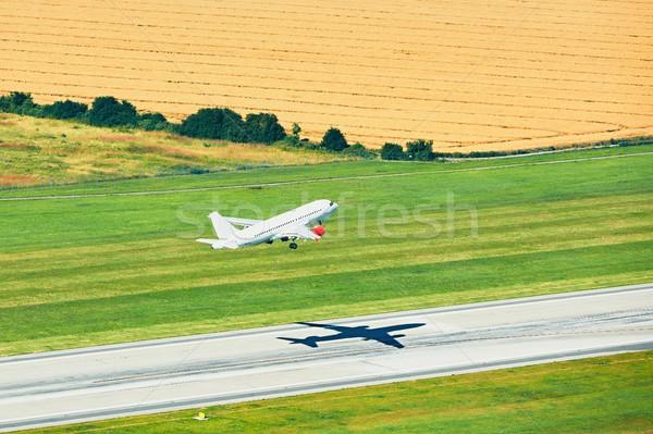 Havaalanı uçak pist Stok fotoğraf © Chalabala