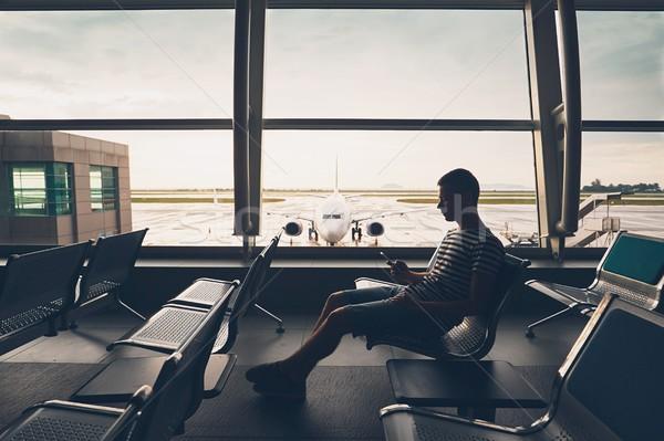 Bekleme uçuş siluet gezgin içinde havaalanı Stok fotoğraf © Chalabala