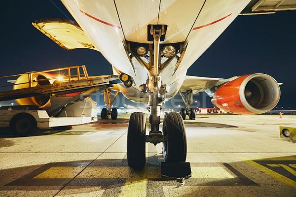 Havaalanı gece meşgul hazırlık uçak tekerlek Stok fotoğraf © Chalabala