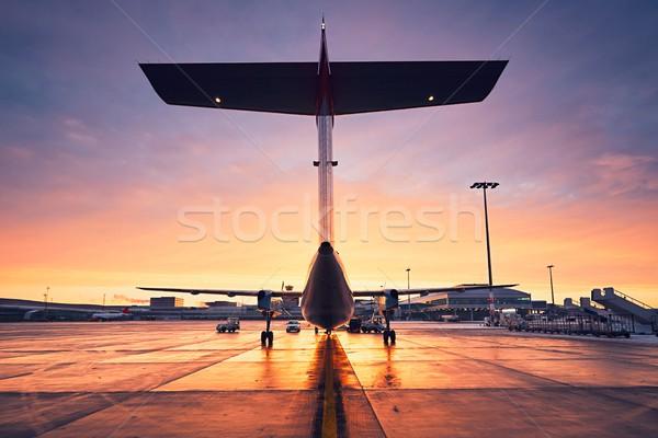 Repülőtér napfelkelte minden nap élet nemzetközi előkészítés Stock fotó © Chalabala