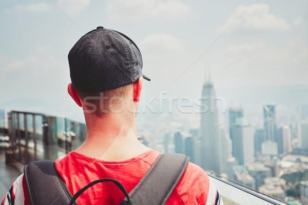 Gezgin modern şehir genç sırt çantası seyahat Stok fotoğraf © Chalabala