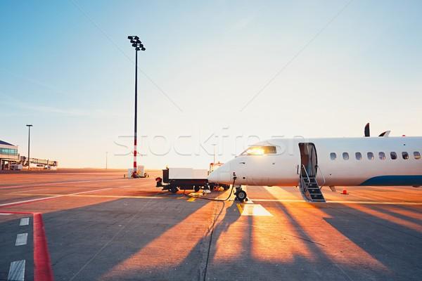 Havaalanı gün batımı günlük hayat uluslararası hazırlık Stok fotoğraf © Chalabala