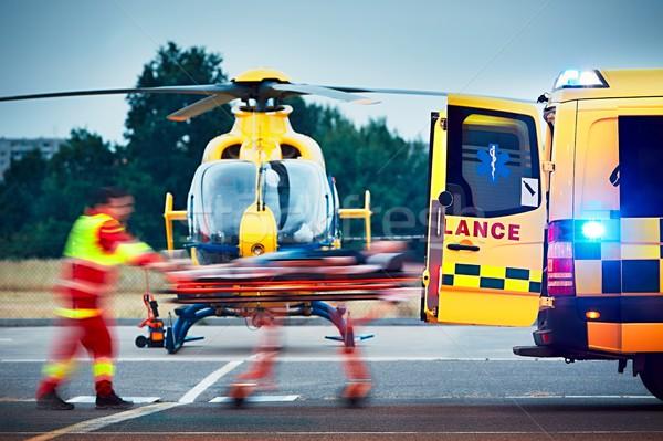 Emergencia médicos servicio cooperación aire rescate Foto stock © Chalabala