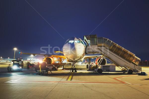 Havaalanı gece meşgul hazırlık uçak Bina Stok fotoğraf © Chalabala