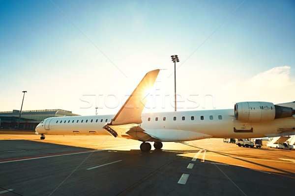 Dagelijks leven luchthaven internationale vliegtuig landingsbaan Stockfoto © Chalabala