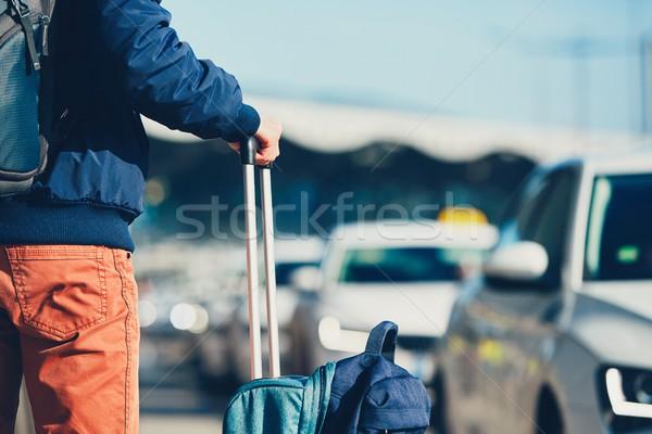 Bekleme taksi havaalanı araba şehir erkekler Stok fotoğraf © Chalabala