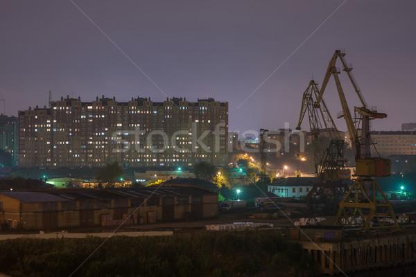 Foto stock: Industrial · río · puerto · detrás · casas · noche