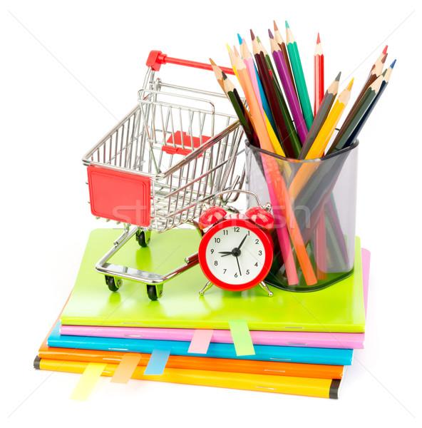 Giz de cera carrinho de compras lápis copo despertador isolado Foto stock © cherezoff