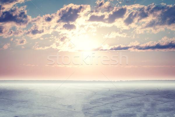 Konkretnych powierzchnia wygaśnięcia puszysty chmury Zdjęcia stock © cherezoff