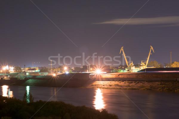 Foto stock: Industrial · río · puerto · detrás · casas · agua