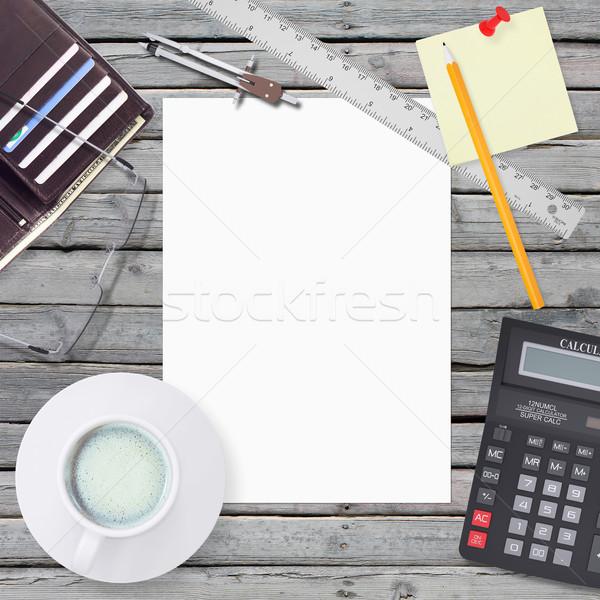 área de trabalho superfície artigos de papelaria branco folha Foto stock © cherezoff