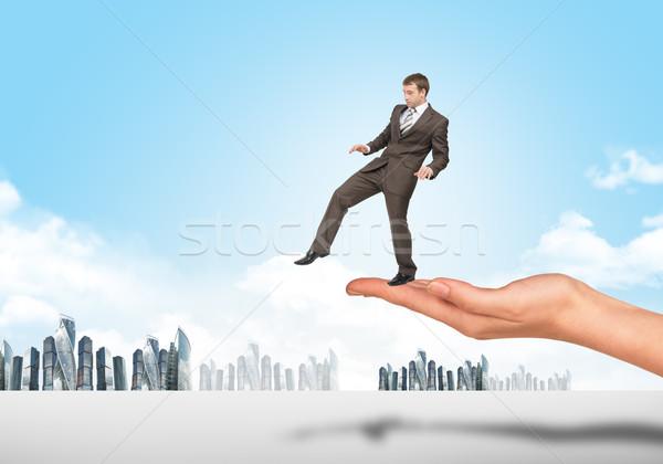 бизнесмен ходьбе край стороны служба Сток-фото © cherezoff