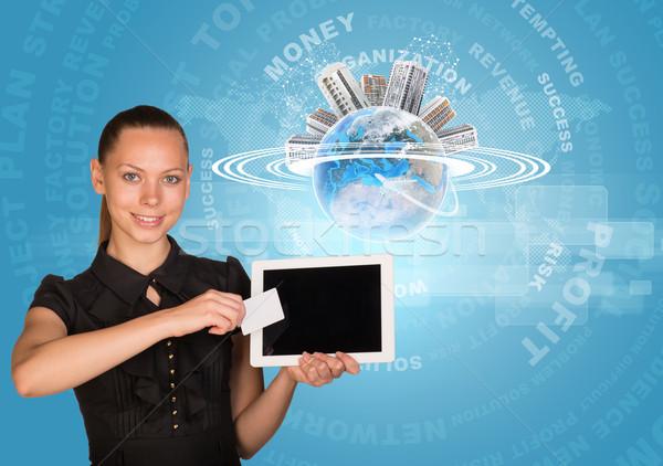 Imprenditrice tablet carta sorridere scheda vuota Foto d'archivio © cherezoff
