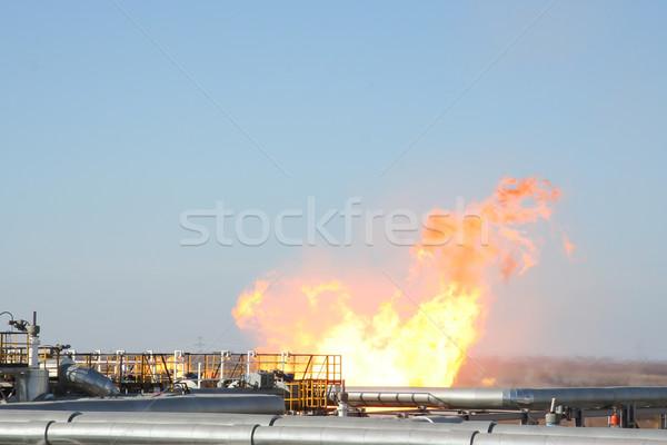 Alto Óleo pipes escapar fogo ferro Foto stock © cherezoff
