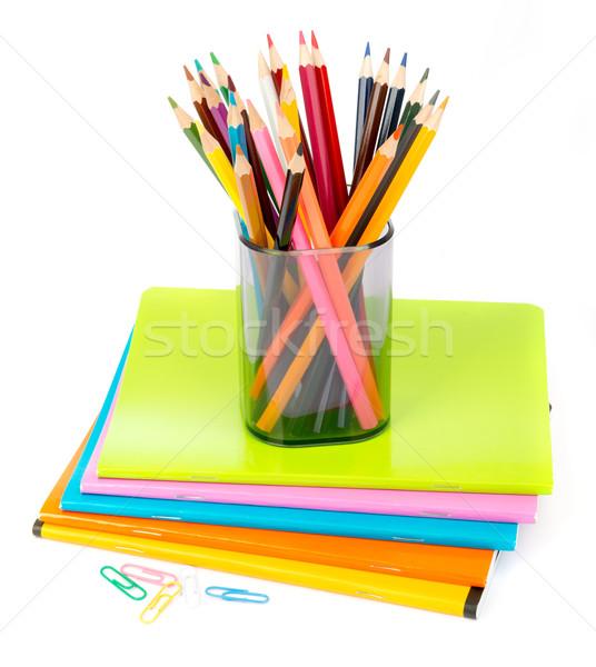 Farbują kubek kredki odizolowany biały drewna Zdjęcia stock © cherezoff