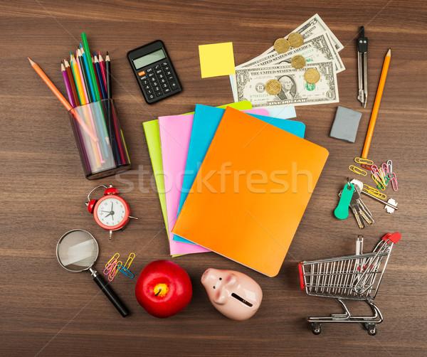 Stock fotó: Bevásárlókocsi · irodaszerek · persely · fa · asztal · fa · ceruza