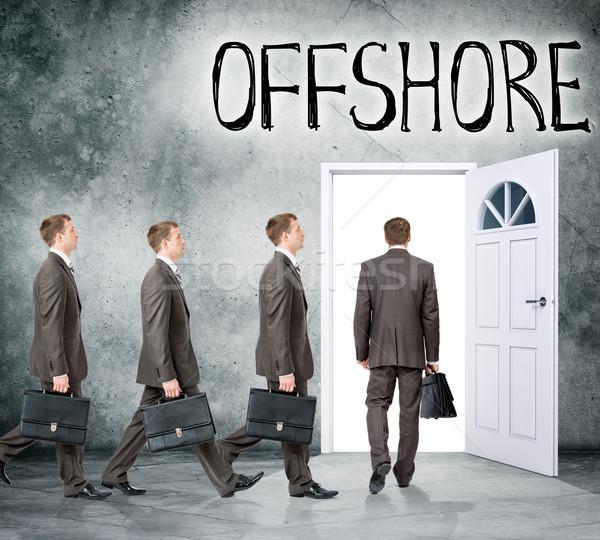 Ingesteld zakenlieden deur woord offshore Stockfoto © cherezoff
