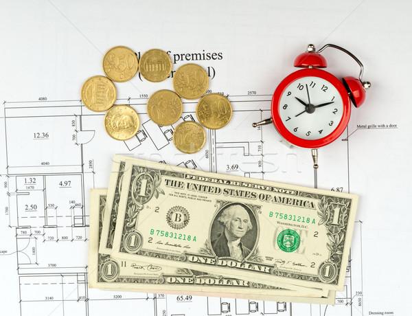 Pénz ébresztőóra közelkép kilátás dollár érme Stock fotó © cherezoff