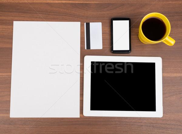 Boş kağıt boş kart ahşap masa telefon ahşap Stok fotoğraf © cherezoff