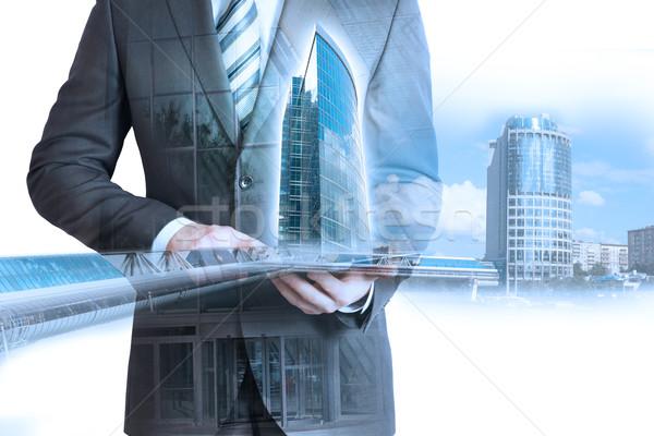 Сток-фото: человека · костюм · таблетка · 3D · город · модель