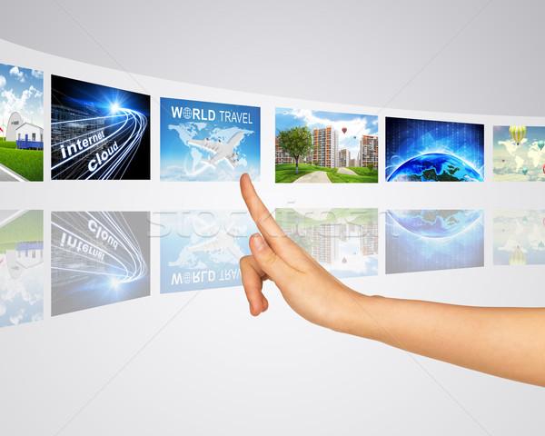 Stock fotó: Információ · világ · ujj · egy · virtuális · tükör