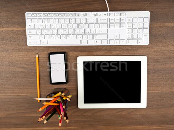 スマートフォン 事務用品 表 木製のテーブル 電話 木材 ストックフォト © cherezoff