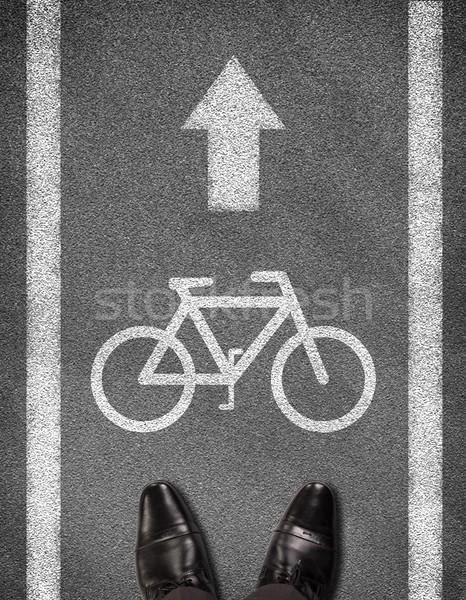 Schoenen permanente asfalt weg twee lijn Stockfoto © cherezoff