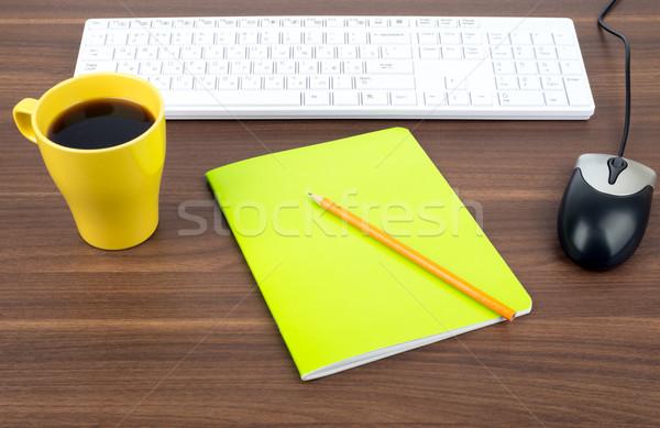 Tastatur Kaffee Schönschreibheft Holztisch Arbeit Stock foto © cherezoff