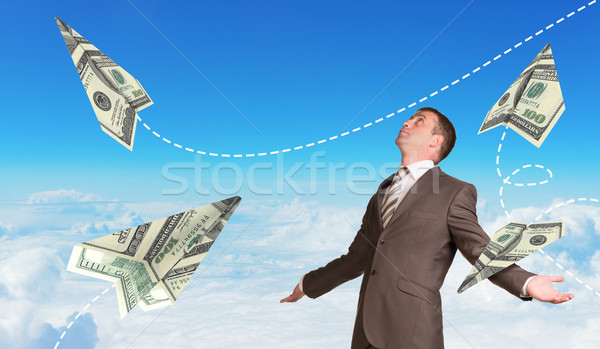 Biznesmen papieru sto garnitur Zdjęcia stock © cherezoff