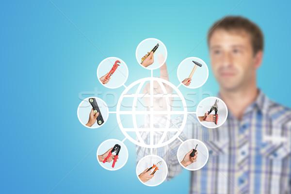 Férfi póló kisajtolás holografikus képernyő kezek Stock fotó © cherezoff