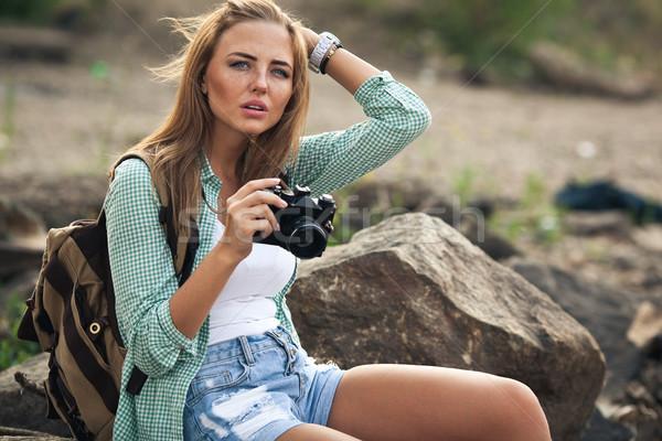 Dziewczyna zdjęcia vintage Fotografia kamery zewnątrz Zdjęcia stock © chesterf