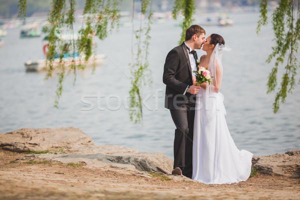 Сток-фото: пару · Постоянный · озеро · красивой · горизонтальный