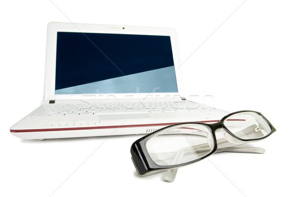 Yalıtılmış netbook'lar gözlük beyaz iş eğitim Stok fotoğraf © chesterf
