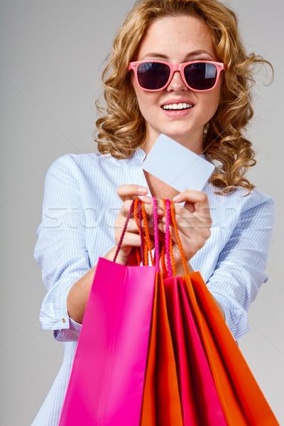 Boldog nő tart üres kártya vásárlás üzlet Stock fotó © chesterf