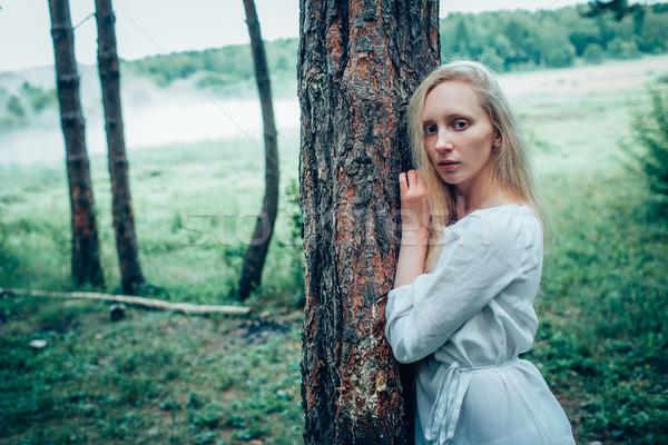 Kadın göl sarışın kadın uzun saçlı kadın bahar Stok fotoğraf © chesterf