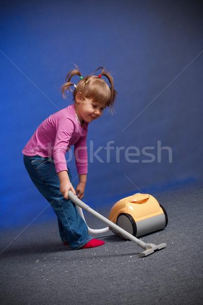 Lány takarítás szőnyeg kislány ház baba Stock fotó © chesterf