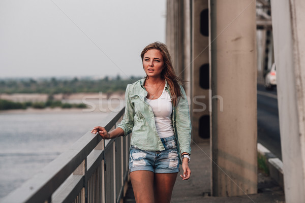 портрет женщину моста красивой моде Сток-фото © chesterf