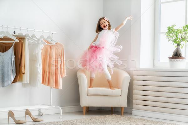 Stockfoto: Meisje · dressing · omhoog · home · gelukkig · meisje · grappig