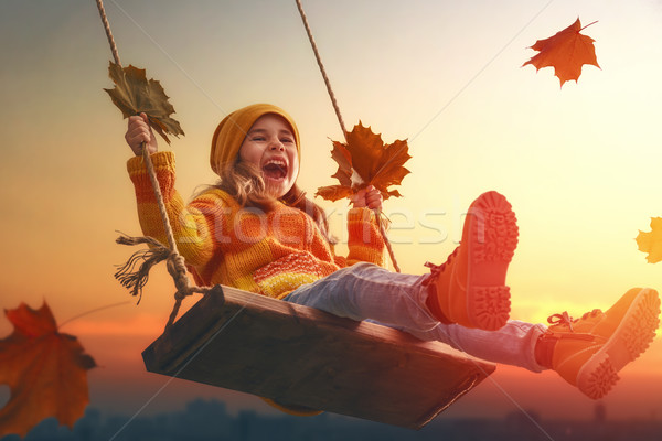 çocuk oynama sonbahar mutlu çocuk kız Stok fotoğraf © choreograph