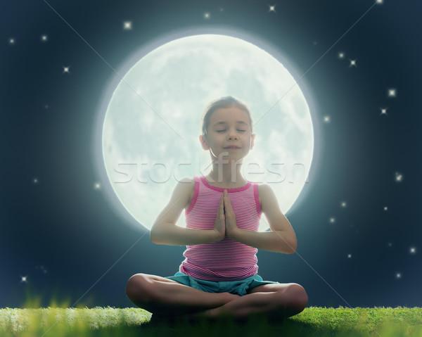 Photo stock: Fille · méditation · yoga · cute · peu