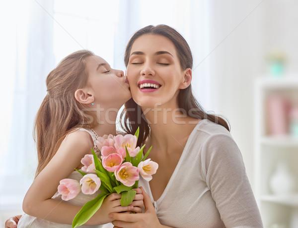 Stock fotó: Lánygyermek · anya · boldog · anyák · napját · gyermek · virágok · tulipánok